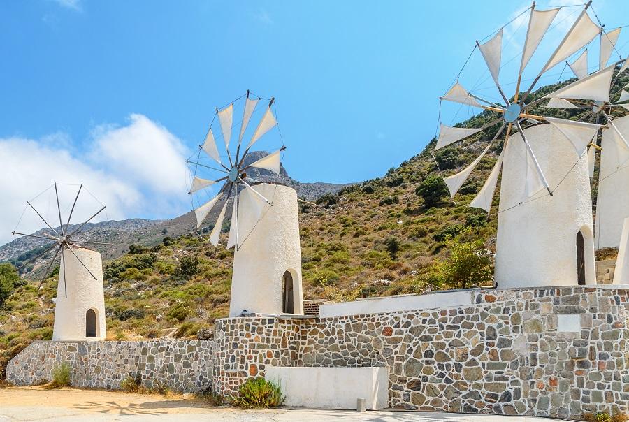 Ветряные мельницы на плато Лассити. Крит, Греция.
