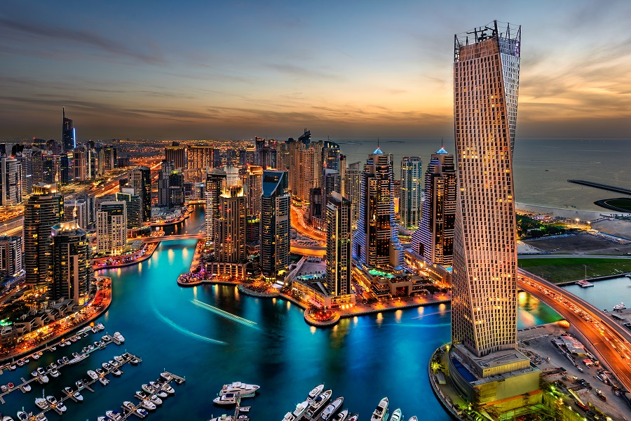 Ночной Дубай, ОАЭ.