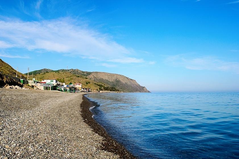 Галечный пляж в Крыму