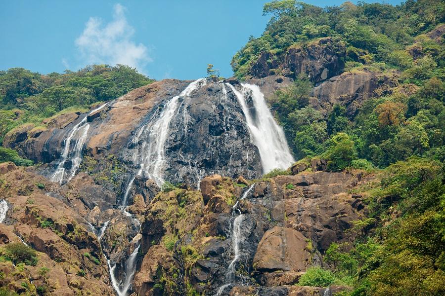 Водопад Дудхсагар, Гоа, Индия.