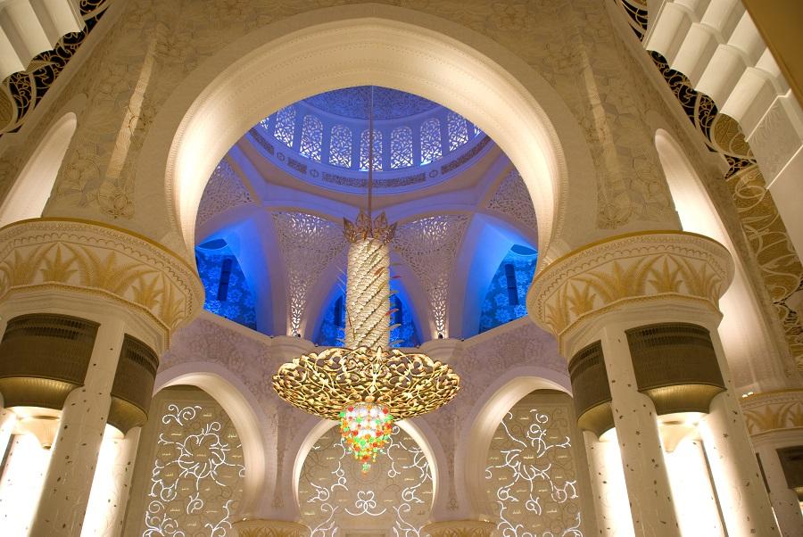 Люстра в мечети Шейха Зайда, Абу-Даби, ОАЭ.